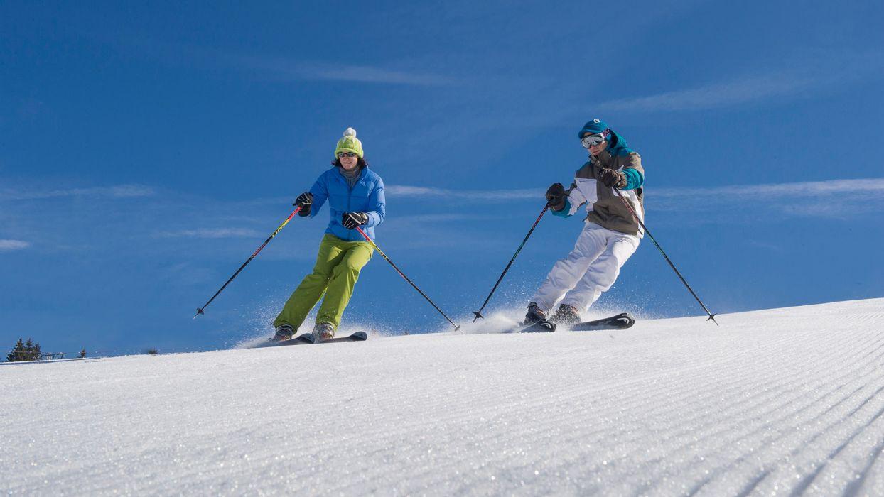 Nos conseils Ski pour un séjour à la montagne en toute tranquillité : le matériel de ski pour adulte  - CGH Résidences
