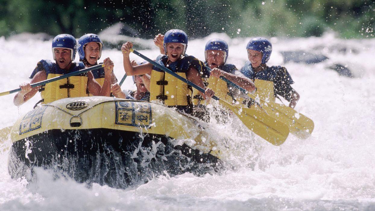 Les incontournables de l'été pour votre séjour à la montagne : sport en eaux vives, rafting - CGH Résidences
