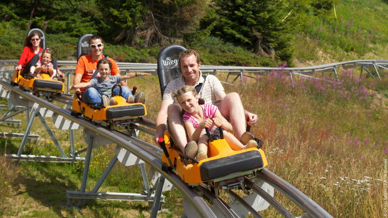 Les incontournables de l'été pour votre séjour à la montagne : luge d'été - CGH Résidences